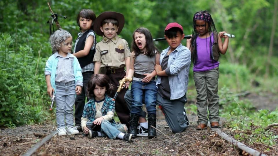 HT_walking_dead_kids_group_jef_160607_16x9_992.jpg